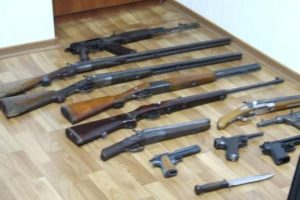 У жителя Новочеркасска дома был обнаружен склад оружия