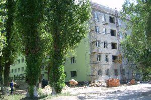 Губернатор проверил, как идет ремонт в рухнувшем общежитии