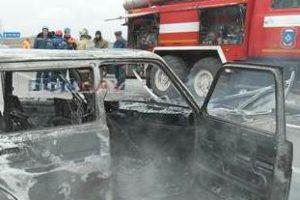 На въезде в Новочеркасск вспыхнул автомобиль