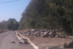 Бордюры с проспекта Баклановского в Новочеркасске нашли новое место жительства