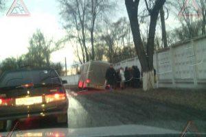 В Новочеркасске маршрутка высадила пассажиров в грязь
