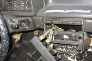 Новочеркасские полицейские нашли украденную автомагнитолу