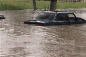 Затопленные новочеркасцы обратились за помощью к спасателям