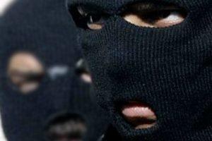 В Новочеркасске двое молодых людей ограбили товарища