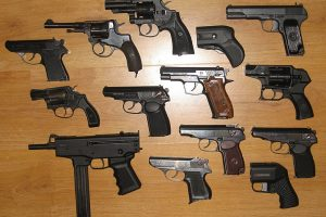 Коллекторы хотят получить доступ к оружию граждан