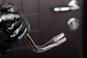Оперуполномоченные уголовного розыска раскрыли квартирную кражу в Новочеркасске